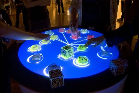800px-reactable_multitouch