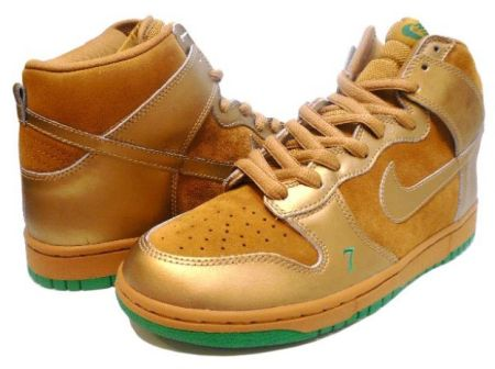 nike-dunk-high-pro-sb-lucky-wheat-metallic-gold-6