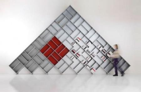 bookcase-pyramid